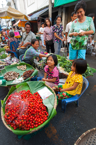 120_thai_food_phitsanulok_morning_market_1155pn_1